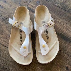 BIRKENSTOCK NWOB Metallic Gizeh Sandal Sz 39